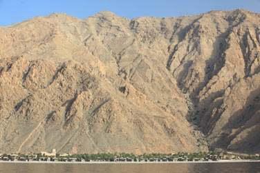 Un hôtel spectaculaire situé dans la péninsule du Musandam, petite partie isolée du Sultanat d'Oman